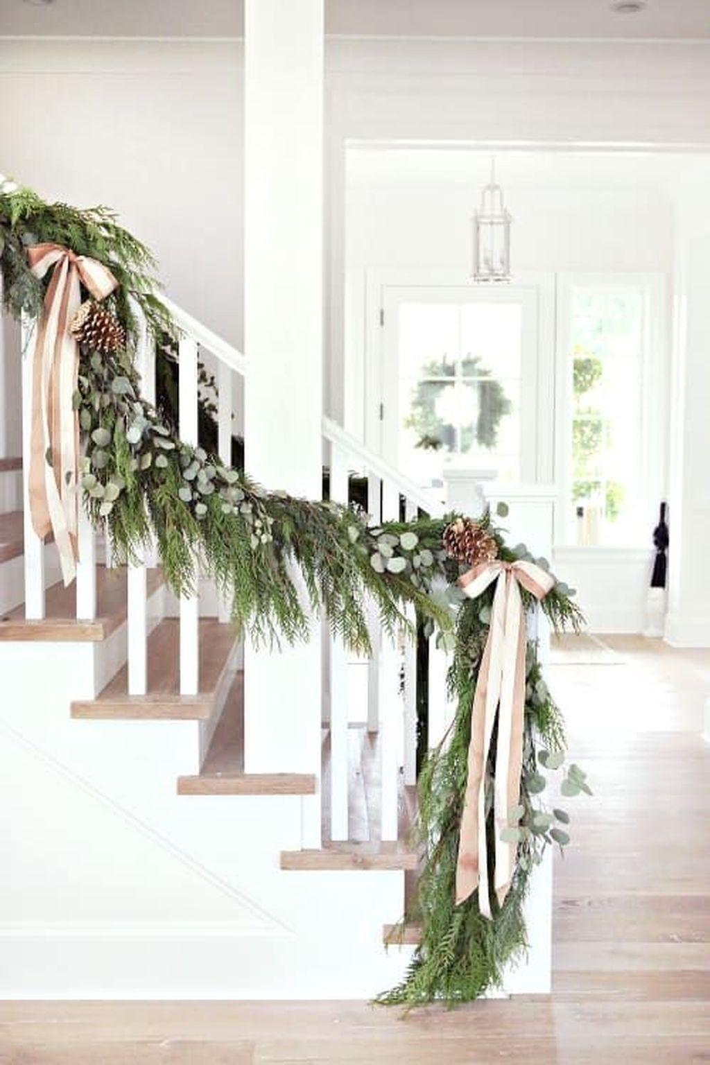 Gorgeous Christmas Apartment Decor Ideas 25