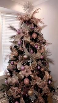 Gorgeous Christmas Apartment Decor Ideas 49