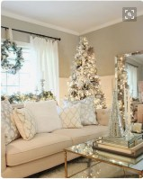Lovely Red And Green Christmas Home Decor Ideas 16