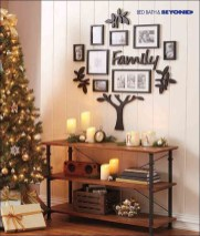 Lovely Red And Green Christmas Home Decor Ideas 38