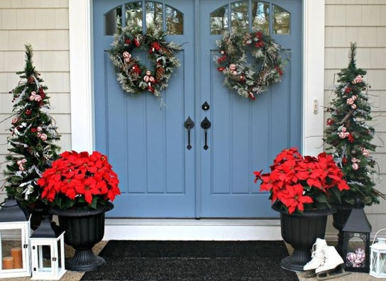 Perfect Christmas Front Porch Decor Ideas 06