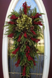 Perfect Christmas Front Porch Decor Ideas 21