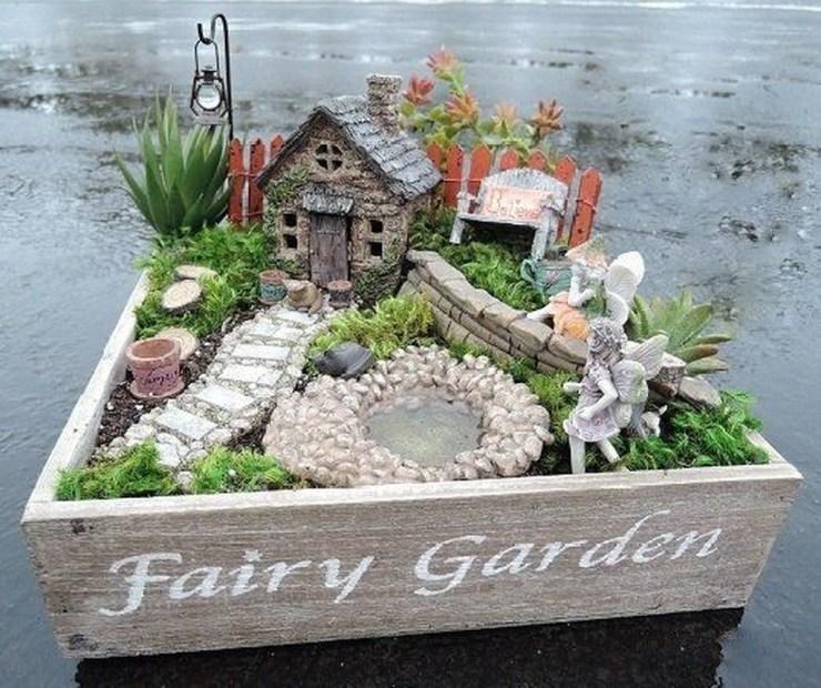 Pretty Diy Christmas Fairy Garden Ideas 19