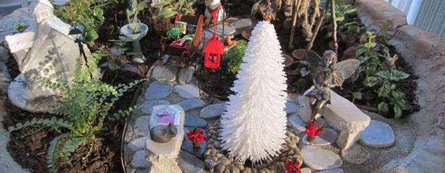 Pretty Diy Christmas Fairy Garden Ideas 51