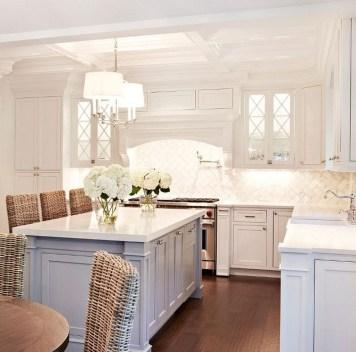 Pretty White Kitchen Backsplash Ideas 15