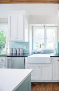 Pretty White Kitchen Backsplash Ideas 20