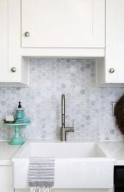 Pretty White Kitchen Backsplash Ideas 32
