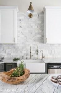 Pretty White Kitchen Backsplash Ideas 41