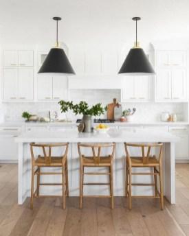 Pretty White Kitchen Backsplash Ideas 47