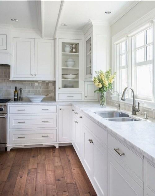 Pretty White Kitchen Backsplash Ideas 57