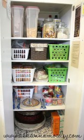 Simple Minimalist Pantry Organization Ideas 21
