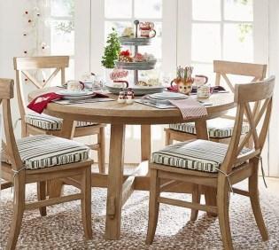 Stunning Christmas Dining Table Decoration Ideas 01