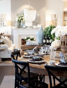 Stunning Christmas Dining Table Decoration Ideas 19