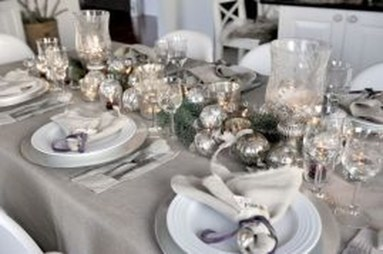 Stunning Christmas Dining Table Decoration Ideas 24