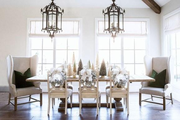 Stunning Christmas Dining Table Decoration Ideas 39