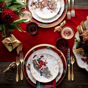 Stunning Christmas Dining Table Decoration Ideas 41