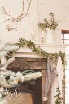 Unordinary Christmas Home Decor Ideas 23