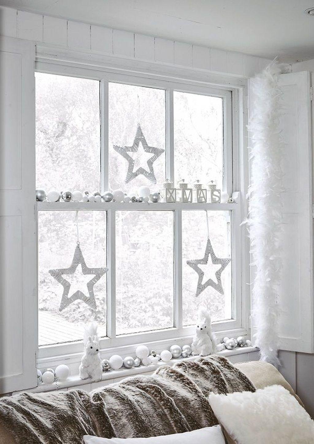 Unordinary Christmas Home Decor Ideas 46