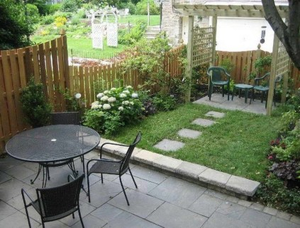 Attractive Small Patio Garden Design Ideas For Your Backyard 18