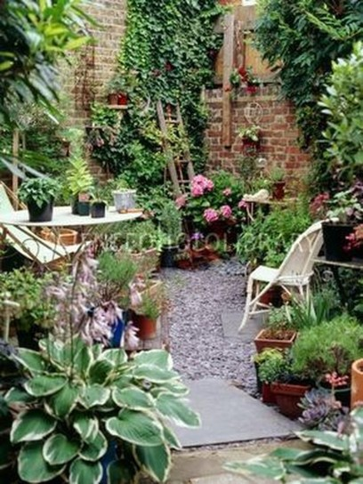 Attractive Small Patio Garden Design Ideas For Your Backyard 32