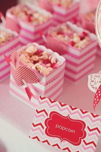 Awesome Classroom Party Decor Ideas For Valentines Day 14