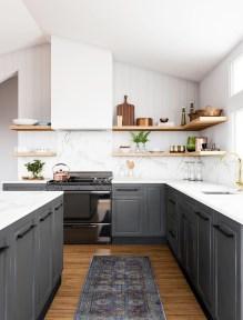 Awesome Farmhouse Kitchen Design Ideas 46