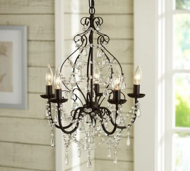 Pretty Chandelier Lamp Design Ideas For Your Bedroom 45
