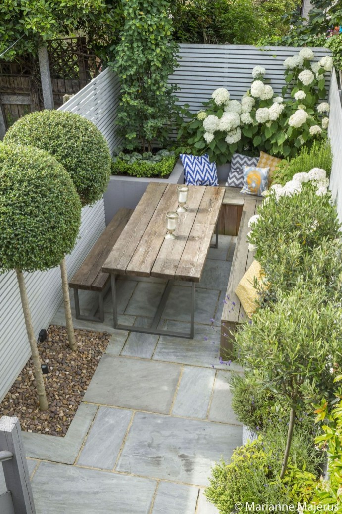 Smart Garden Design Ideas For Front Your House 29
