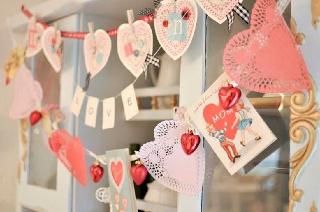 Stunning Red Home Decor Ideas For Valentines Day 14