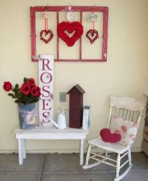 Unique Outdoor Valentine Decor Ideas 36