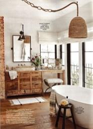Comfy Farmhouse Wooden Bathroom Design Ideas 23