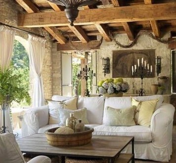 Luxury European Living Room Decor Ideas With Tuscan Style 14