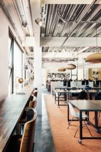 Magnificient Industrial Office Design Ideas 33