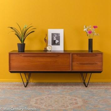 Modern Mid Century Apartment Furniture Design Ideas 44