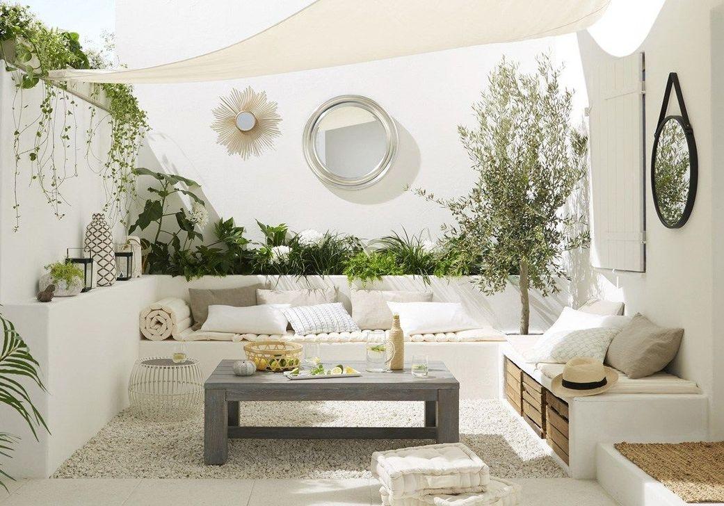 Stunning Small Patio Garden Decorating Ideas 50