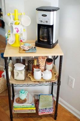 Wonderful Apartment Coffee Bar Cart Ideas 40