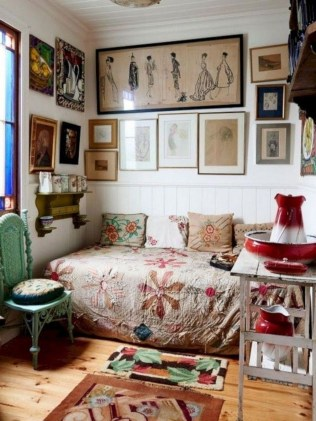 Wonderful Bohemian Design Decorating Ideas For Bedroom 41