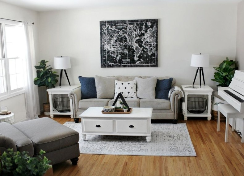 Catchy Living Room Designs Ideas With Bold Black Furniture 41