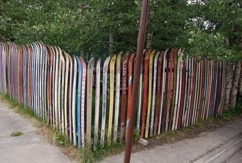 Cute Garden Fences Walls Ideas 29