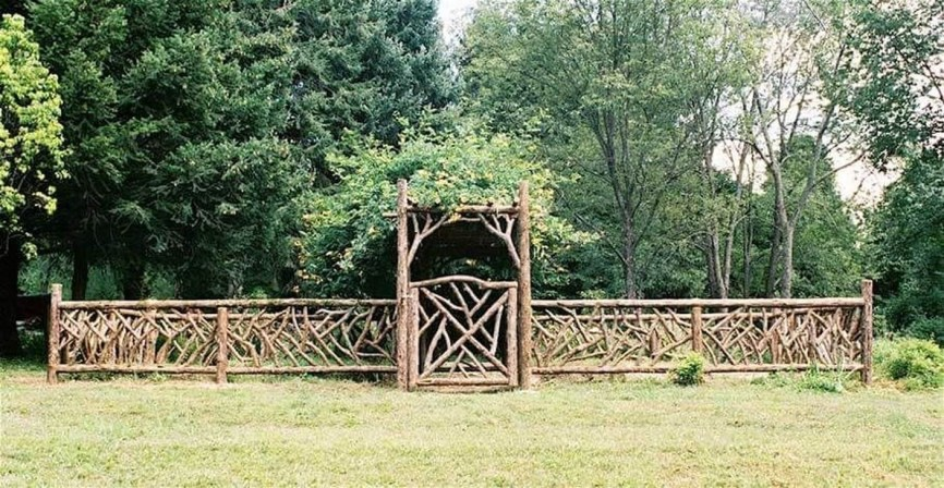 Cute Garden Fences Walls Ideas 31