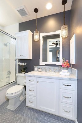 Elegant Bathroom Makeovers Ideas For Small Space 15