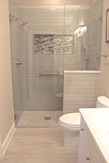 Elegant Bathroom Makeovers Ideas For Small Space 20