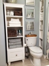 Elegant Bathroom Makeovers Ideas For Small Space 33