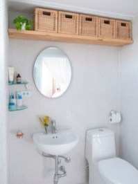 Elegant Bathroom Makeovers Ideas For Small Space 37