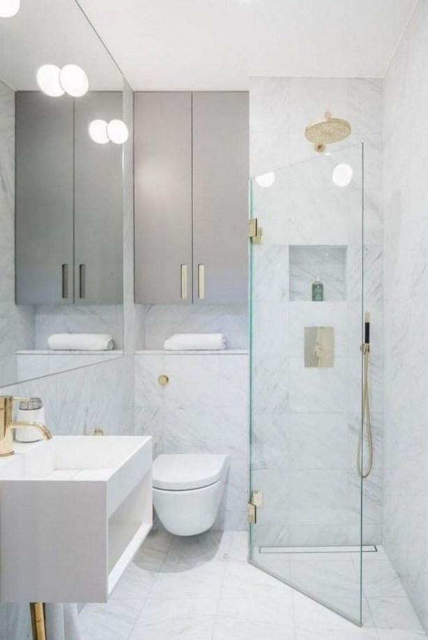Elegant Bathroom Makeovers Ideas For Small Space 46