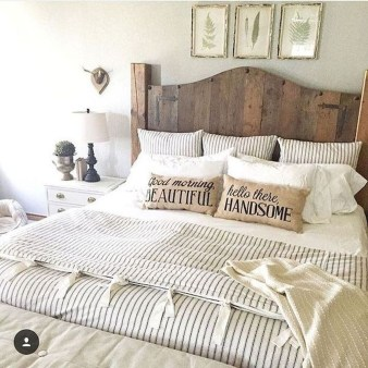 Elegant Farmhouse Decor Ideas For Bedroom 03