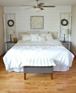 Elegant Farmhouse Decor Ideas For Bedroom 11
