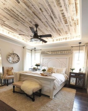 Elegant Farmhouse Decor Ideas For Bedroom 18