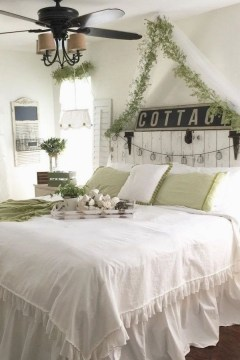 Elegant Farmhouse Decor Ideas For Bedroom 20
