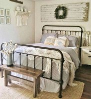Elegant Farmhouse Decor Ideas For Bedroom 22